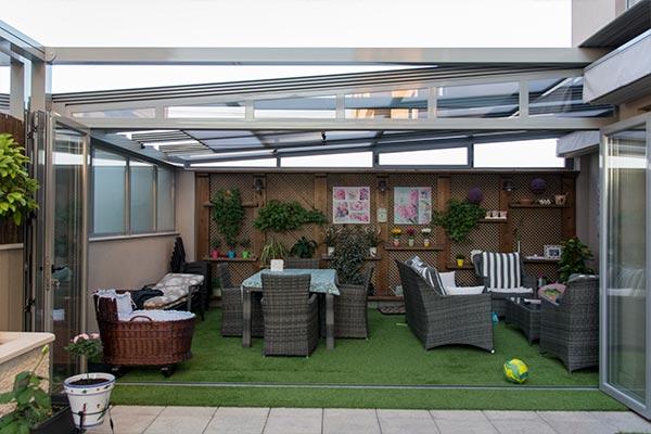 Aluminer corrimientos en aluminio y pvc for Puertas para patio interior