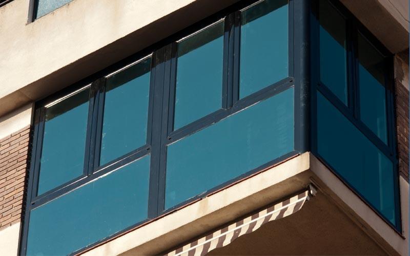 Ventanas de aluminio en albacete aluminer carpinter a met lica albacete - Persianas para balcones ...