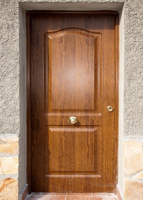 Puertas aluminio y pvc en albacete for Puertas en madera para exteriores