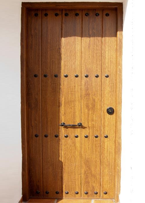 Puertas aluminio y pvc en albacete for Modelos de puertas de forja