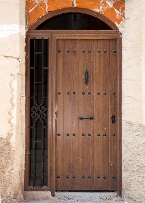 Puertas aluminio y pvc en albacete - Puertas de cochera segunda mano ...